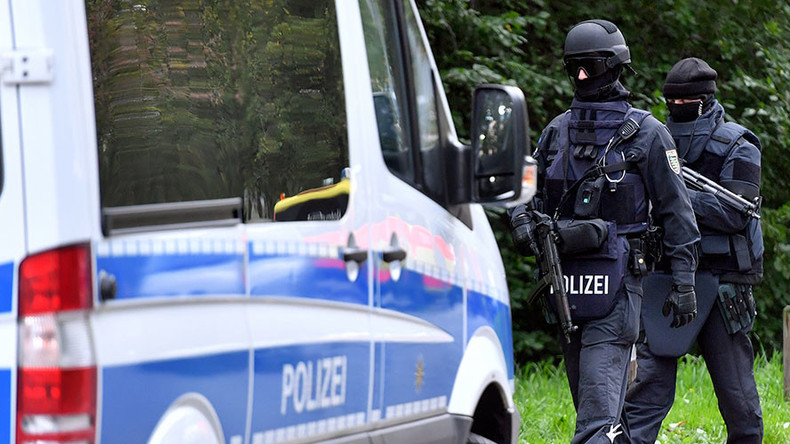 Syrian refugees capture bomb plot suspect, hand him over to German police