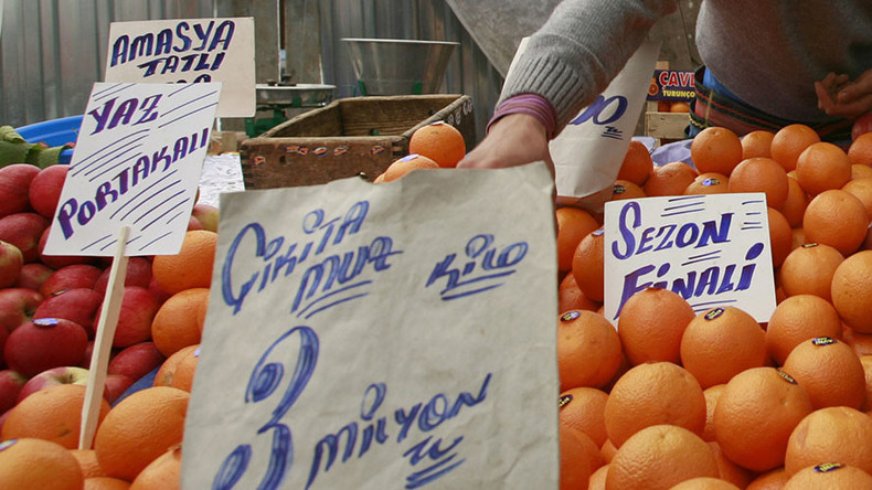 Russia partially lifts ban on fruit imports from Turkey