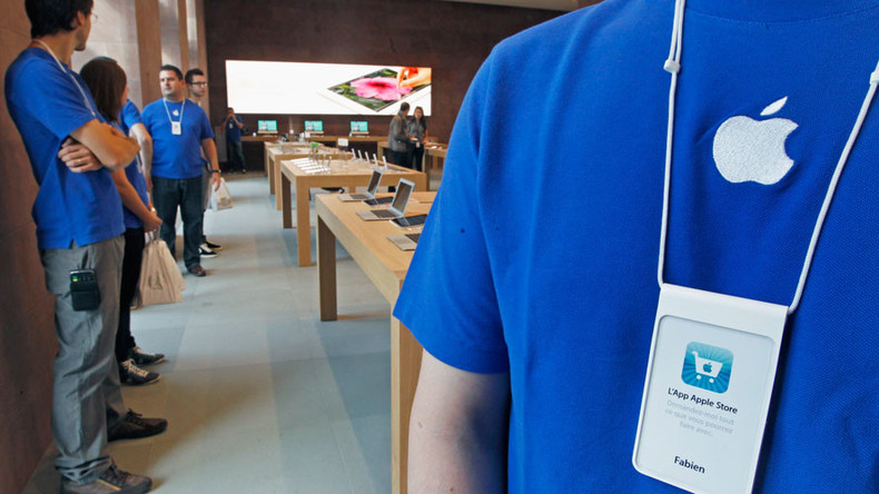 Apple employees accused of compiling explicit pics of customers