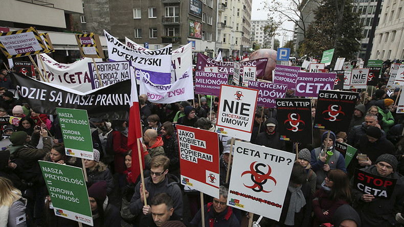 Thousands protest TTIP, CETA deals in France, Poland, & Spain as EU vote looms closer