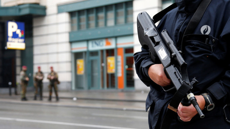 Jewelry thieves with AKs make off with the goods in Belgian shopping mall heist