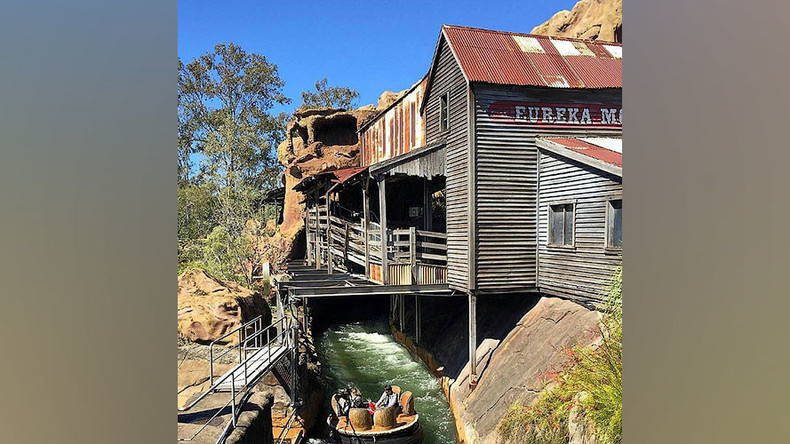 4 killed at Australian theme park while riding 'Thunder River Rapids'