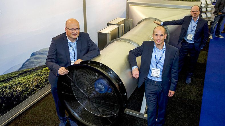 Dutch inventors develop giant vacuum to filter outside air