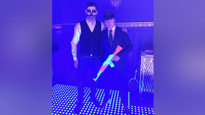 Neon AK-47: How Russian young guns celebrate Halloween (PHOTOS)