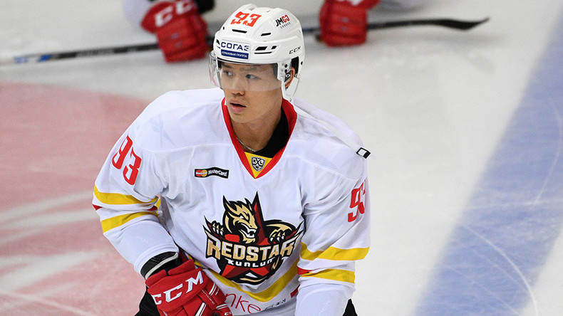 KHL registers 1st goal scored by Chinese player (VIDEO)