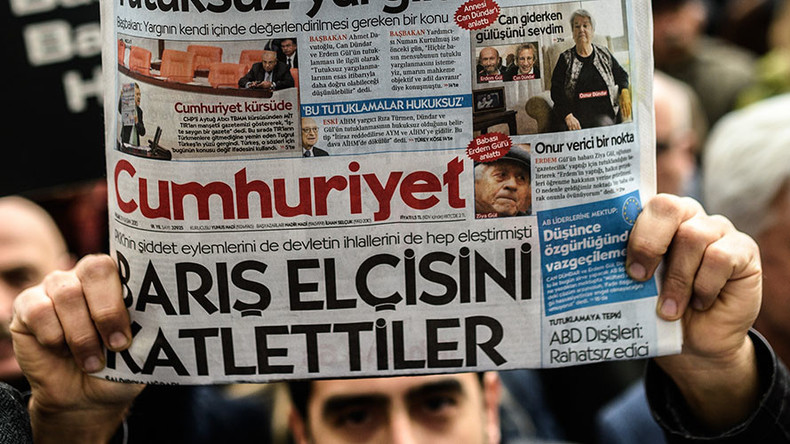 Turkish police arrest editor-in-chief of Cumhuriyet opposition daily, raid executives' homes