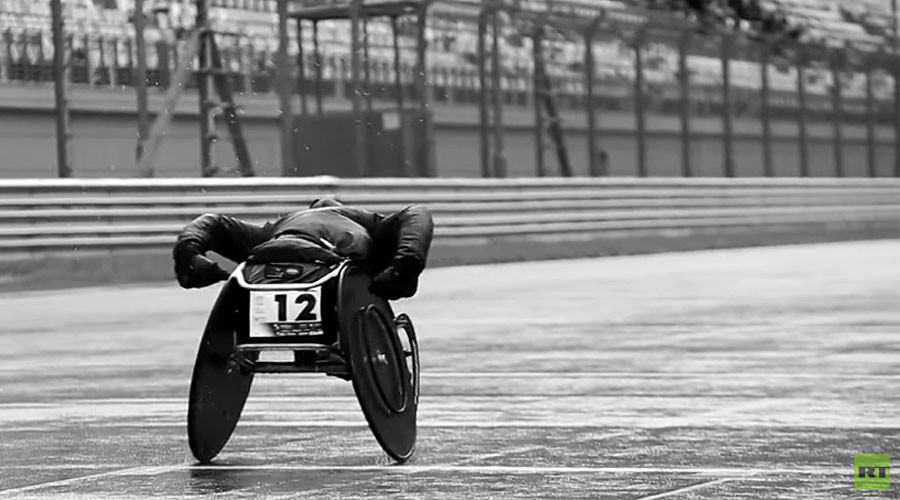 'Never give up, do your best': Russian wheelchair racers break a sweat on F1 track in Sochi (VIDEO)