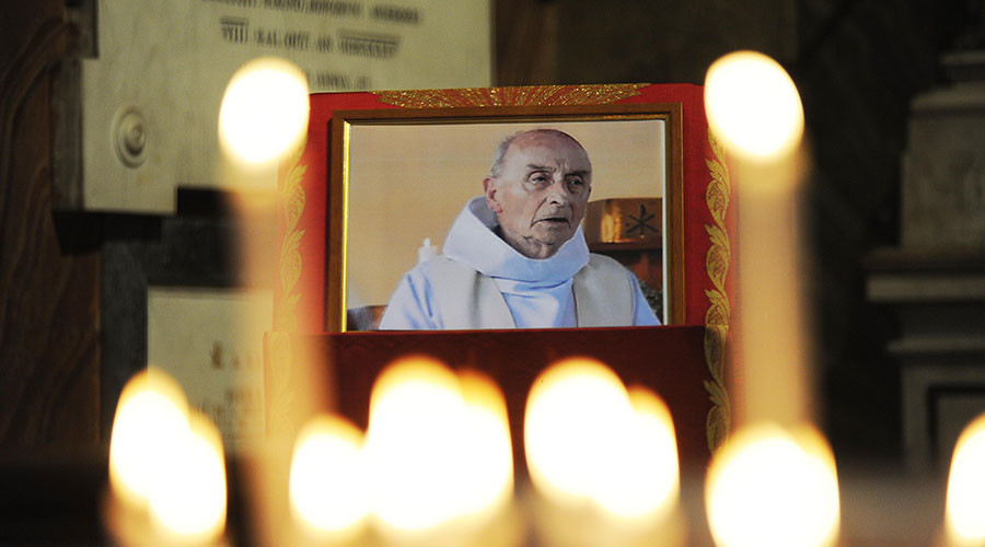 Pope Francis smooths sainthood path for ISIS-slain Normandy priest