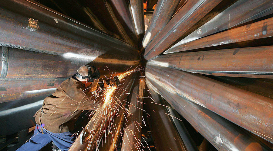 UK manufacturing output at highest since 2014
