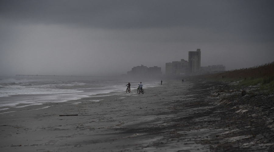 'Direct hit': Hurricane Matthew sends Florida into panic as 'massive destruction' expected