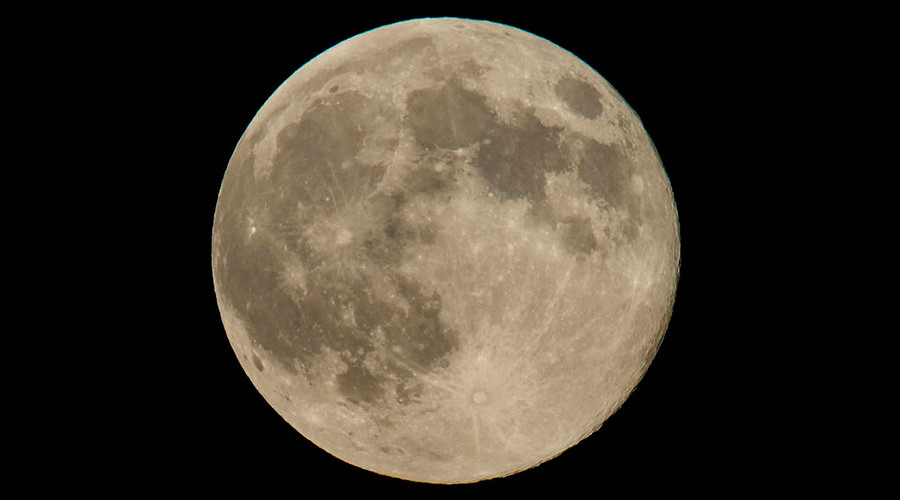 Sun, moon and Earth align for stunning supermoon finale to 2016 (PHOTOS)