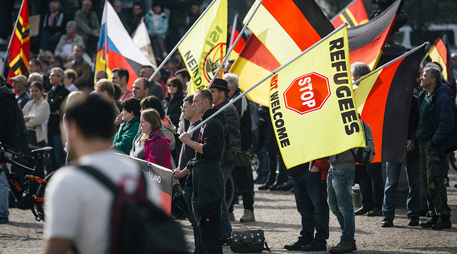 Massive PEGIDA rally in Dresden marks 2 years of anti-immigrant movement (VIDEO)