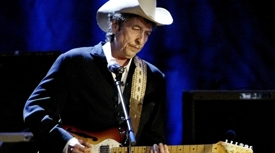 Nobel Prize panel gives up trying to reach Bob Dylan after his unprecedented win for literature