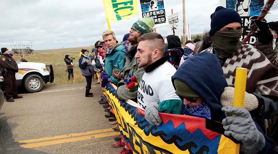 Tribe leaders vow to protest Dakota pipeline through winter