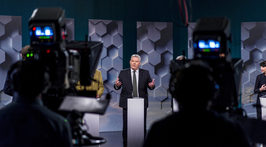 Iceland PM resigns as Pirate Party makes election gains