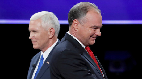 Democratic U.S. vice presidential nominee Senator Tim Kaine and Republican U.S. vice presidential nominee Governor Mike Pence (L) © Kevin Lamarque