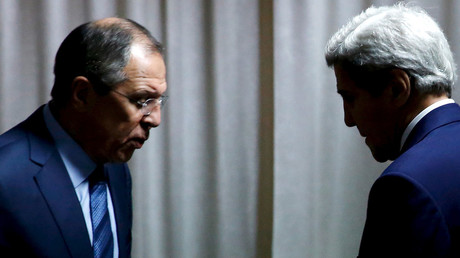 Russian Foreign Minister Sergei Lavrov (L), U.S. Secretary of State John Kerry (R) © Jonathan Ernst
