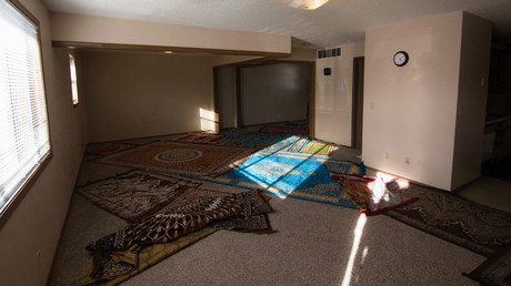 The interior of a mosque located within an apartment complex, which federal authorities allege was to be targeted in a bomb plot by three Kansas men, is seen in Garden City, Kansas, U.S. October 14, 2016. © Adam Shrimplin