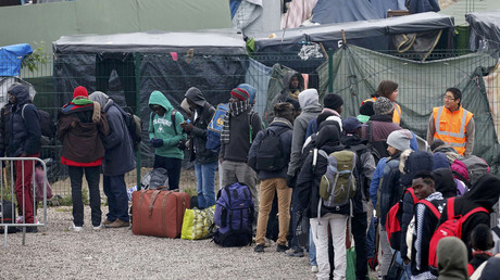 Where violence became norm: 'Jungle' camp clear-up kicks off in Calais (VIDEO)