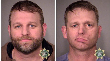 Inmates Ammon Bundy (L) and his brother Ryan Bundy © MCSO/