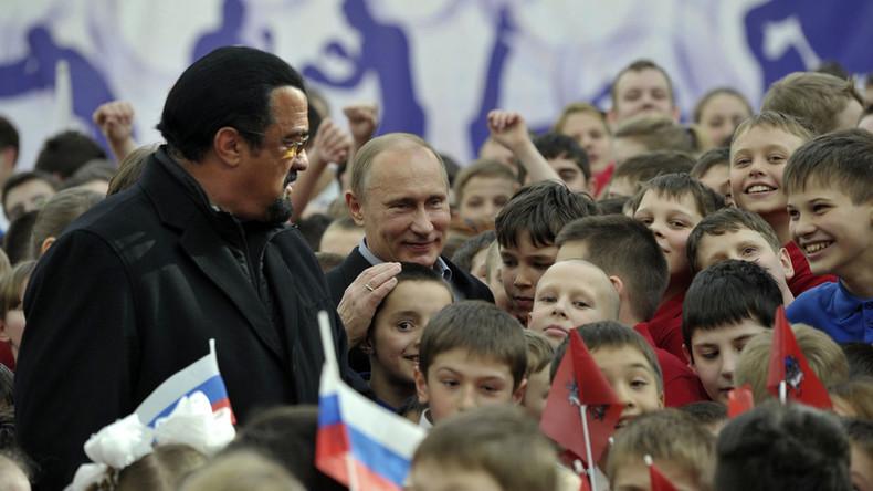 Putin grants Steven Seagal Russian citizenship