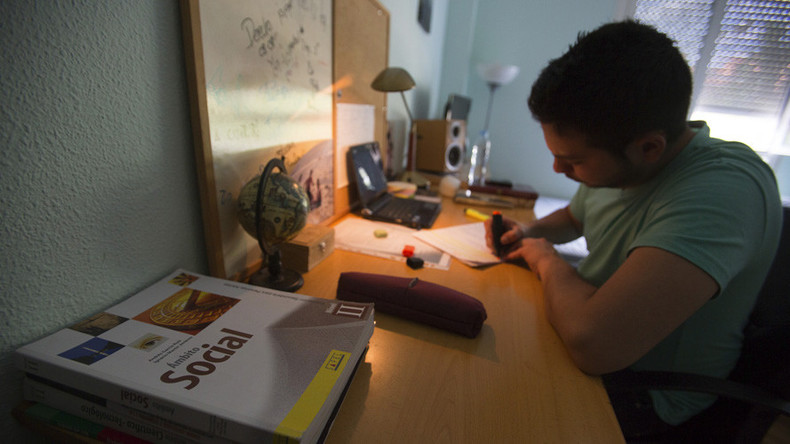 'Homework is detrimental': Spanish parents go on strike to save children's free time