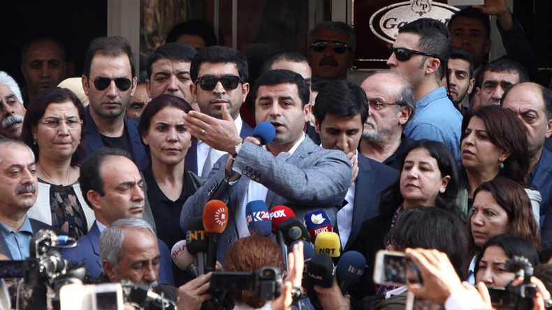 Turkish police detain 2 leaders & 12 MPs of pro-Kurdish HDP party