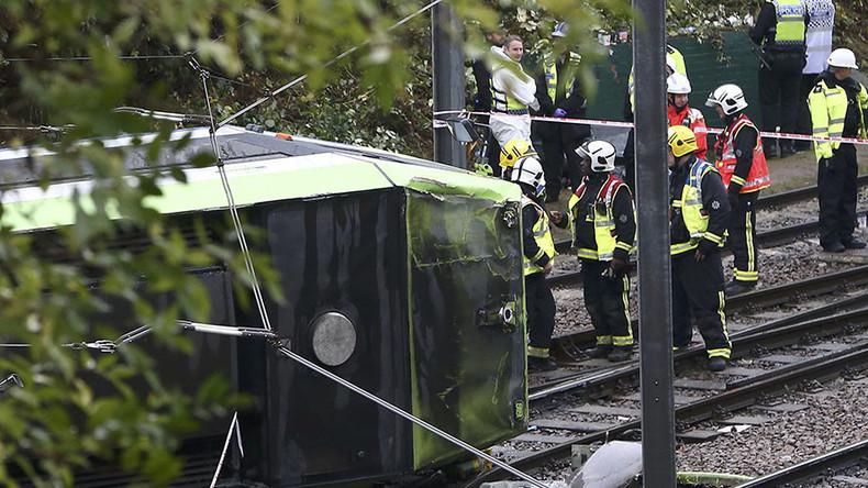 5 dead, 50 injured in south London tram derailment (VIDEO)