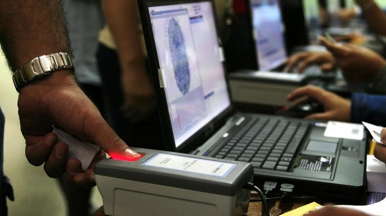 Paris attacks: Counter-terrorism chief wants fingerprinting & iris scans for all at UK borders