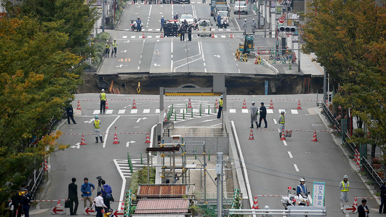 Timelapse captures incredibly swift Japanese sinkhole repair (VIDEO)