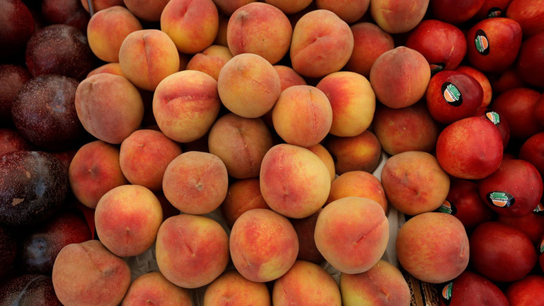 11yo suspended from school for cutting peach with child's butter knife