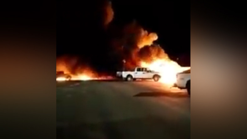 Plane crash in Nevada sets fire, homes evacuated (VIDEO)