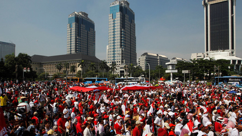 1,000s rally for tolerance in Indonesia amid blasphemy probe of Christian governor