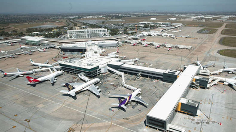 Rationing due to 'bad batch' of fuel at Melbourne Airport forces planes to reroute to Sydney