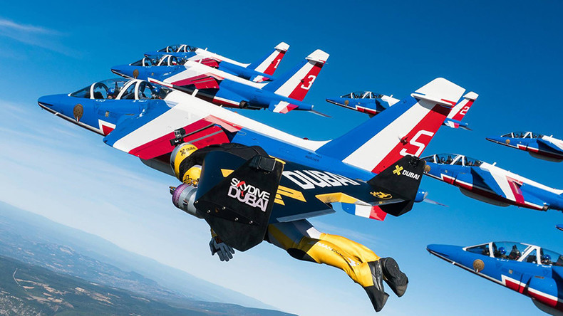 Jetpack trio swoop alongside French Air Force jets (VIDEO)