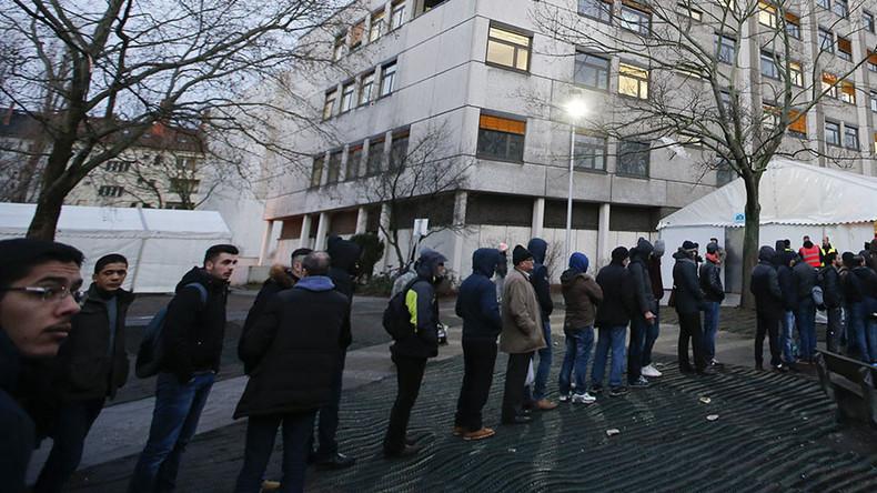 Germany to repatriate 100k rejected asylum-seekers to home countries in 2016 – Merkel