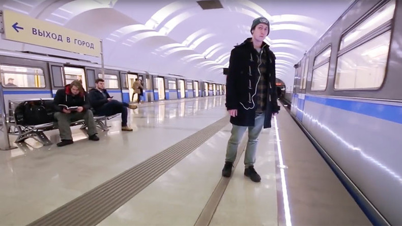 #MannequinChallenge in Moscow: Metro Station frozen in time (VIDEO)