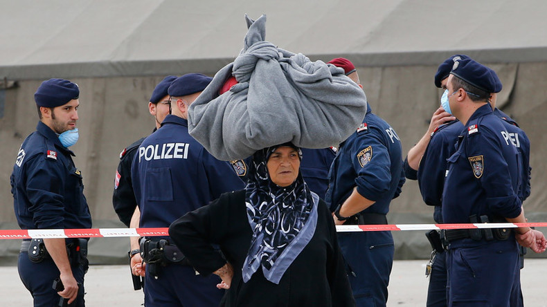 Austrian trade union under fire for FB poll suggesting Muslims be stripped of Christmas bonus