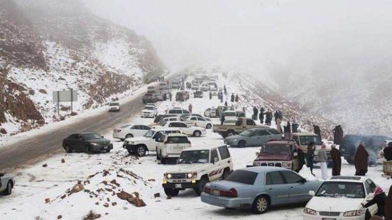 Saudi Arabia snowfall turns desert sands powdery white (PHOTOS, VIDEOS)