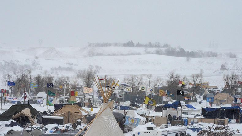 North Dakota officials to start blocking vital supplies to DAPL campsite – report