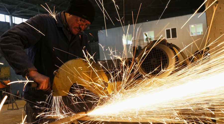 Russian manufacturing activity back on track
