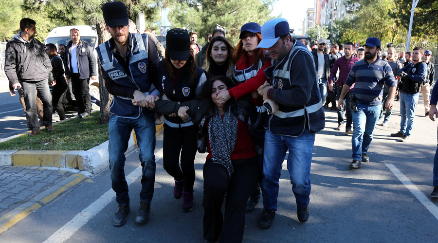 Turkey's EU & American allies concerned with arrests of pro-Kurdish politicians, leaders