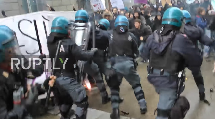 Italian protesters clash with police at anti-govt rally in Florence