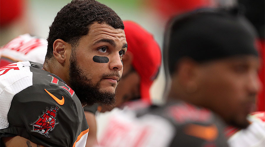 NFL's Mike Evans refuses to stand during national anthem while Trump is president