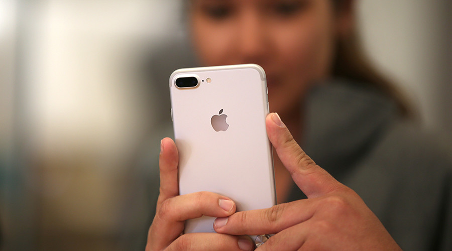 Manhattan DA seeks to make iPhones and other gadgets accessible to law enforcement