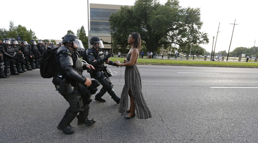 Baton Rouge approves settlement with arrested Alton Sterling protesters
