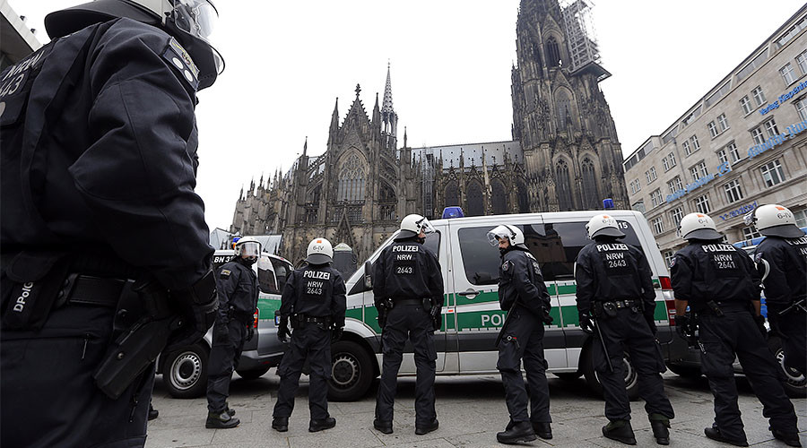 Cologne plans helicopters & mounted police to prevent mass sex assaults on NYE – report