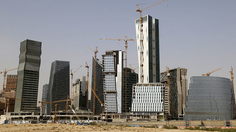 Feeling the oil crunch: Saudi Arabia cancels $266bn in projects