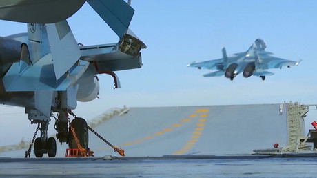 1st combat mission: RT crew witnesses Russian aircraft carrier's Syrian op (VIDEO)