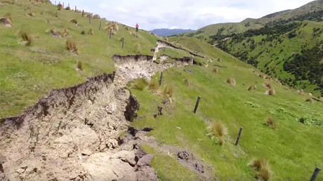 Epic drone footage captures giant cracks left by New Zealand earthquake (VIDEOS)